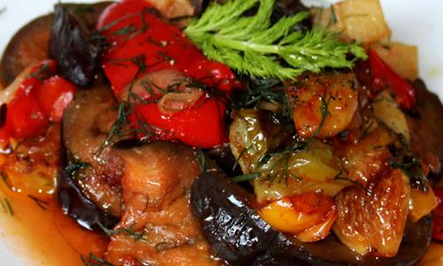 Briam. Gemüse geschmort in Olivenöl