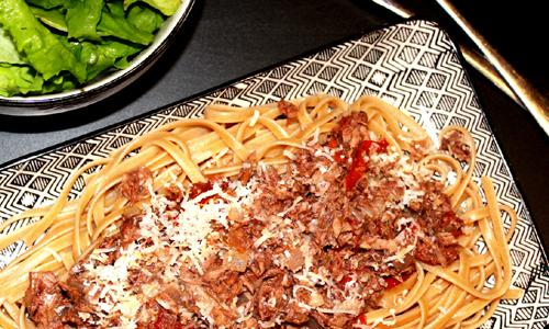 Vollkorn-Linguine mitThunfisch-Olivenpasten-Sauce
